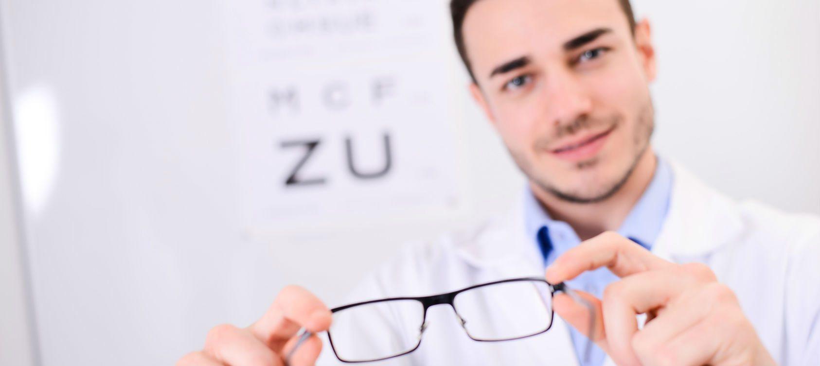 Todo lo que necesitas en un solo lugar: optometría y audiología